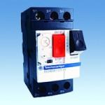 Автоматический трехполюсный выключатель с защитой по току